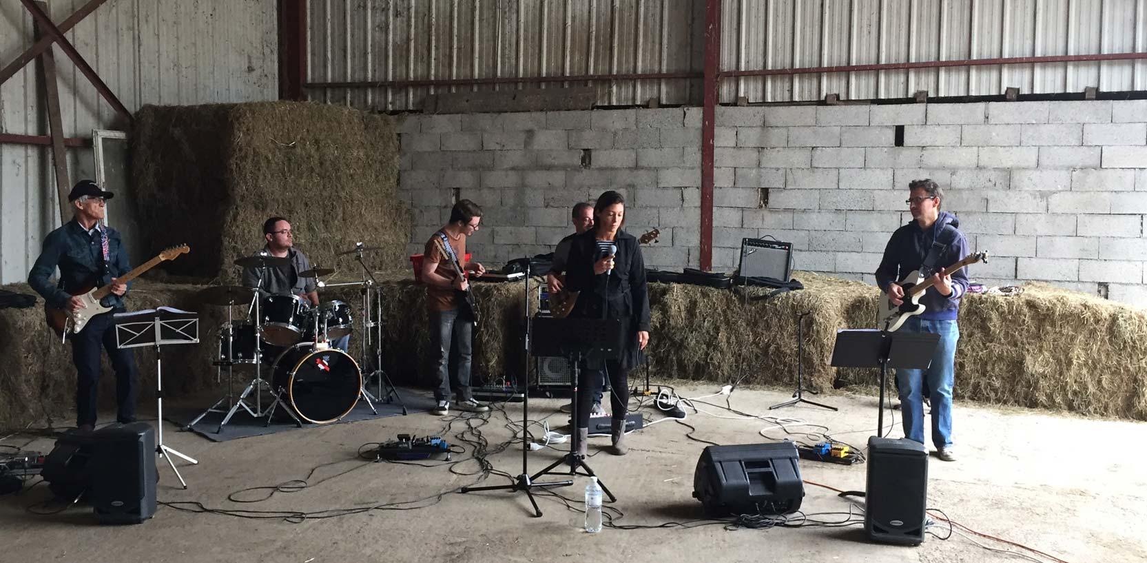 Groupe musical à la ferme lors des JEP 2016